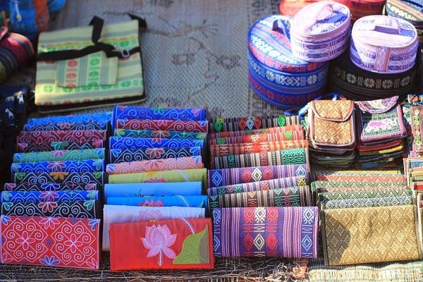 Vé máy bay đi Đà Lạt - Những món đồ thổ cẩm lạ mắt làm quà ở Đà Lạt
