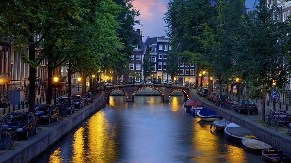 Du lịch Amsterdam và điểm tham quan hấp dẫn