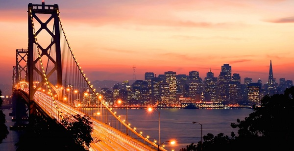 Con phố kỳ lạ nhất, thu hút rất đông đảo du khách đến San Francisco