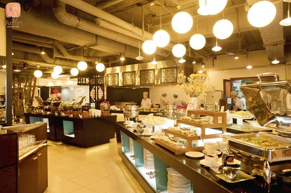 Vé máy báy đi Sài Gòn - Tận hưởng không gian mua sắm, ẩm thực ở Vincom Center