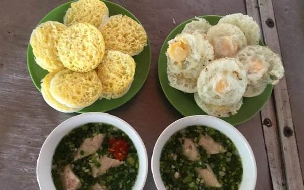 Vé máy bay đi Đà Lạt - Món bánh căn gạo dở thu hút du khách