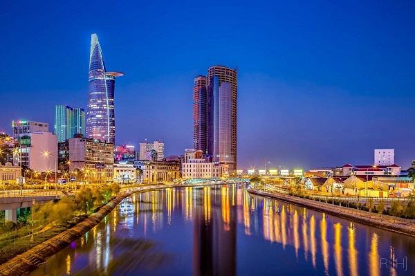 Vé máy bay đi Sài Gòn - Khám phá một Sài Gòn về đêm