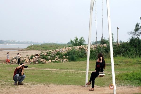 Vé máy bay đi Hà Nội - Thăm bãi đá Sông Hồng