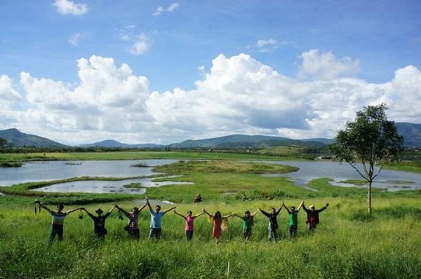 Vé máy bay đi Đà Lạt - Khung cảnh thơ mộng ở Dalat Milk Farm