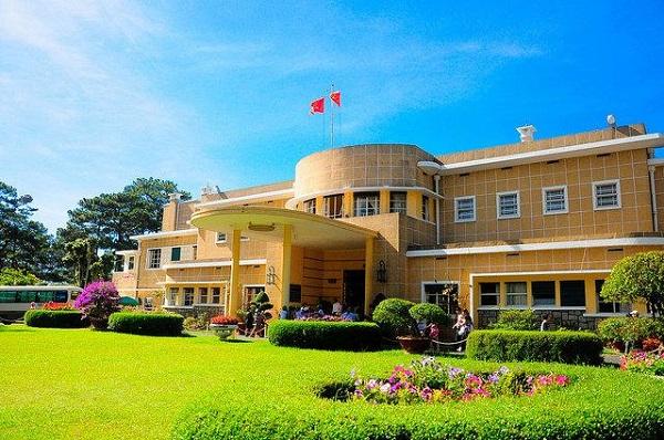 Vé máy bay đi Đà Lạt - Dinh Bảo Đại điểm chụp ảnh ưa thích của du khách