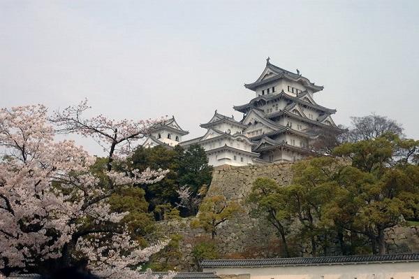 Những lâu đài nguy nga đẹp hút hồn nhất ở Nhật Bản
