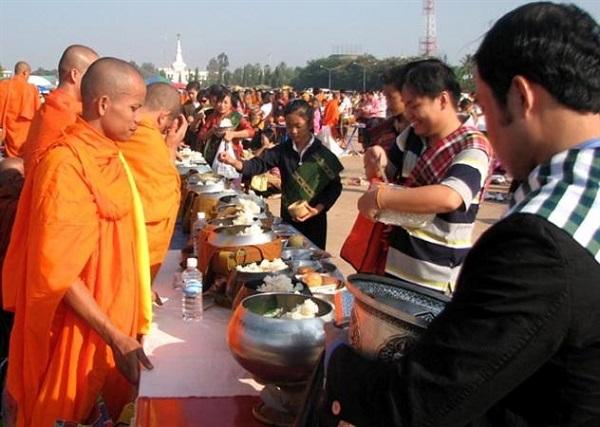 Các lễ hội nên tham gia khi du lịch Viêng Chăn