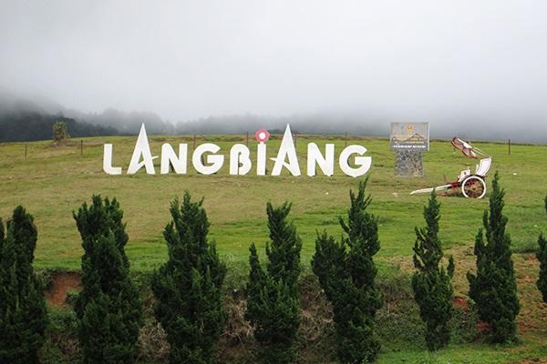 Vé máy bay đi Đà Lạt - Khám phá LangBiang lãng mạng
