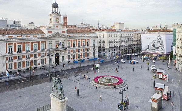 Không khí náo nhiệt của thành phố không ngủ Madrid