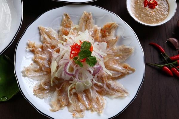 Vé máy bay đi Nha Trang - thưởng thức món gỏi cá mai hấp dẫn