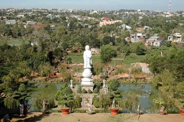 Vé máy bay đi Pleiku - Vãng cảnh Chùa Minh Thành