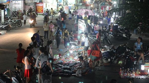 Vé máy bay đi Sài Gòn - Khám phá chợ đêm Thủ Đức
