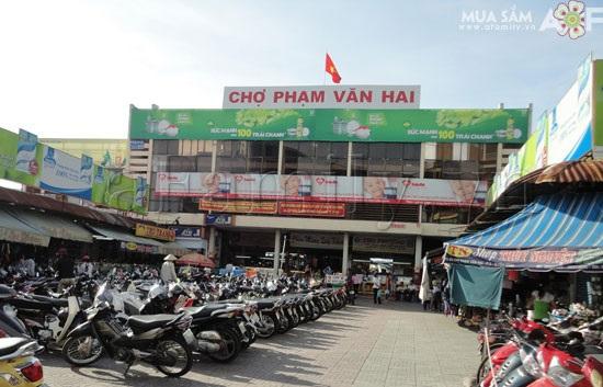 Vé máy bay đi Sài Gòn - Chợ Phạm Văn Hai