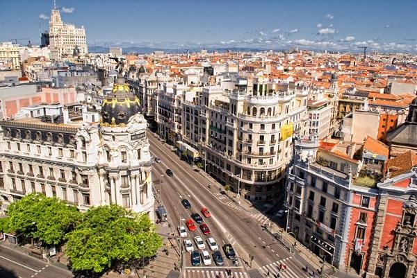 Mua vé máy bay đi Madrid giá rẻ tháng 12