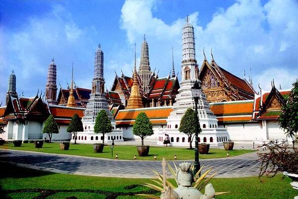 Cố đô Luang Prabang ngả màu thời gian tựa như Hội An