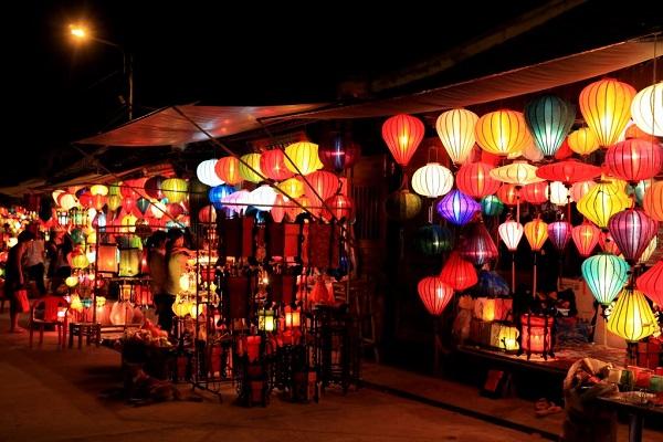 Vé máy bay đi Chu Lai - Lễ hội rằm phố cổ Hội An