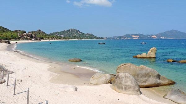 Vé máy bay đi Nha Trang - Đến những bãi tắm tuyệt vời để bạn nghỉ mát ở Tứ Bình