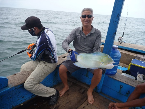 Vé máy bay đi Côn Đảo - Thú vị câu cá ở Côn Đảo