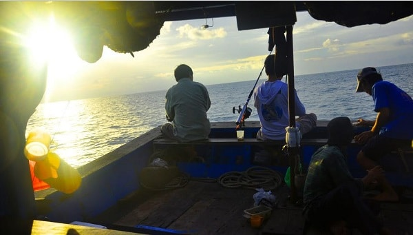 Vé máy bay đi Côn Đảo - Trải nghiệm Câu cá biển ở Côn Đảo