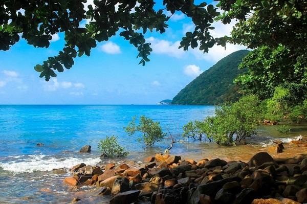 Vé máy bay đi Côn Đảo - Khám phá bãi Ông Đụng