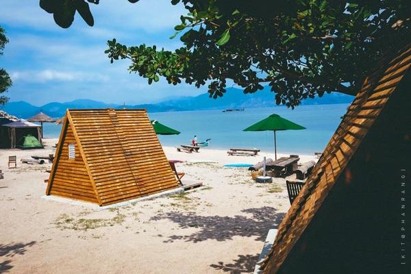 Vé máy bay đi Nha Trang - Khu lều gỗ siêu xinh ở Sao Biển Beach