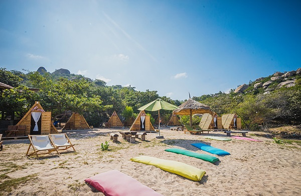 Vé máy bay đi Nha Trang - Xả hơi thoải mái ở khu lều gỗ siêu xinh ở Sao Biển Beach