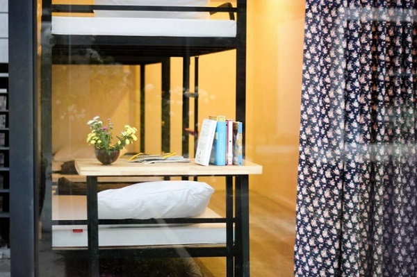 Vé máy bay đi Đà Nẵng - Nội thất đơn giản mà đẹp ở hostel bằng container độc đáo