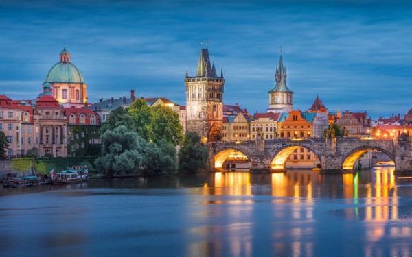 Không thể cưỡng lại trước vẻ dẹp của Cộng Hòa Séc