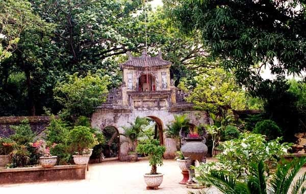 Ghé thăm Chùa Tam Thai