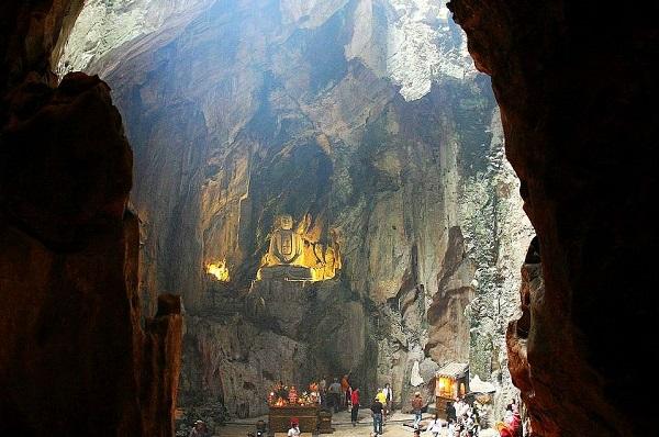 Khám phá những hang động