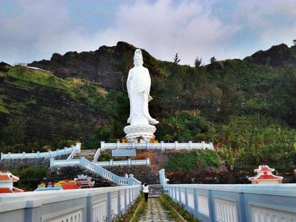 Vé máy bay đi Chu Lai - Tham quan chùa Đục