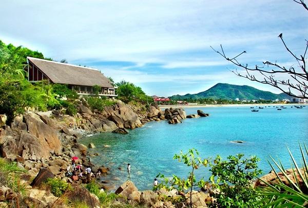 Vé máy bay đi Quy Nhơn - Cảnh đẹp phố biển Quy Nhơn