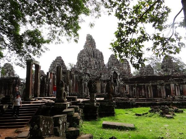 Vé máy bay đi Campuchia - Vẻ đẹp huyền ảo Đền Bayon