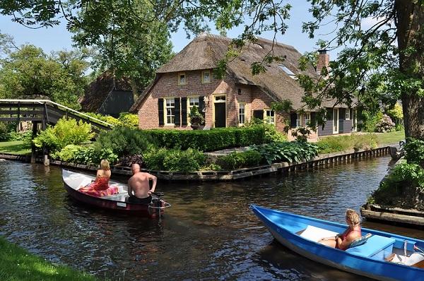 Vé máy bay đi Hà Lan - Tận hưởng kỳ nghĩ ở Hà Lan