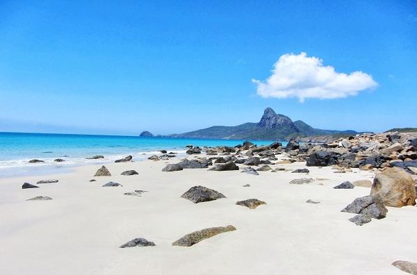 Vé máy bay đi Côn Đảo - Biển Côn Đảo