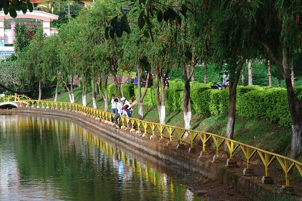 Vé máy bay đi Pleuku - Hồ Diên Hồng (thành phố Pleiku)