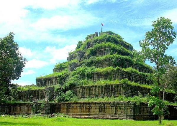 Mua vé máy bay đi Campuchia ghé thăm Koh Ker