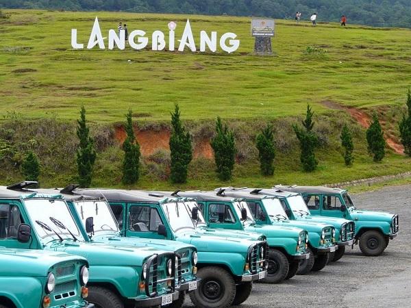 Vé máy bay đi Đà Lạt - Núi Lang Biang