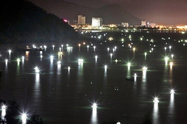 Vé máy bay đi Quy Nhơn - thành phố náo nhiệt về đêm
