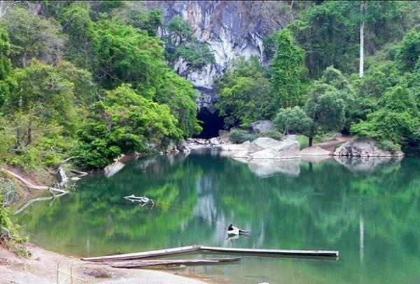 Vé máy bay đi Lào - Vẻ đẹp huyền ảo của Kông Lo