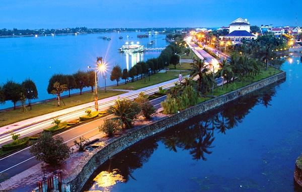 Cùng vé máy bay đi Đồng Hới khám phá vẻ đẹp nơi này