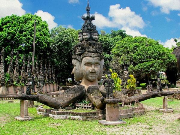 Vé máy bay đi Lào - Khám phá vẻ đẹp cổ xưa ở lào