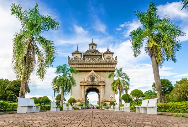 Cùng vé máy bay đi Lào khám phá sự hấp dẫn Vientiane