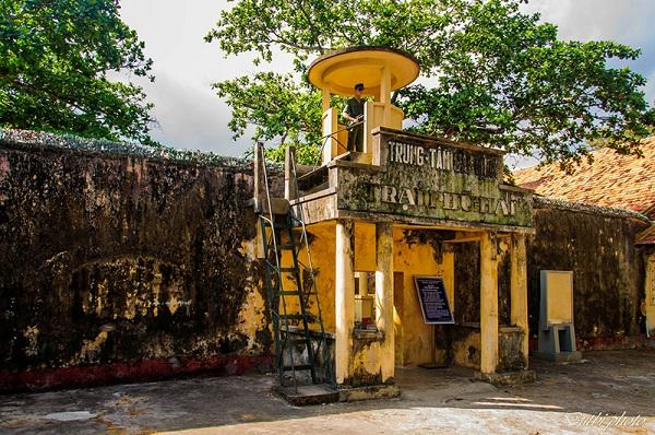 Vé máy bay đi Côn Đảo - nhà tù Côn Đảo