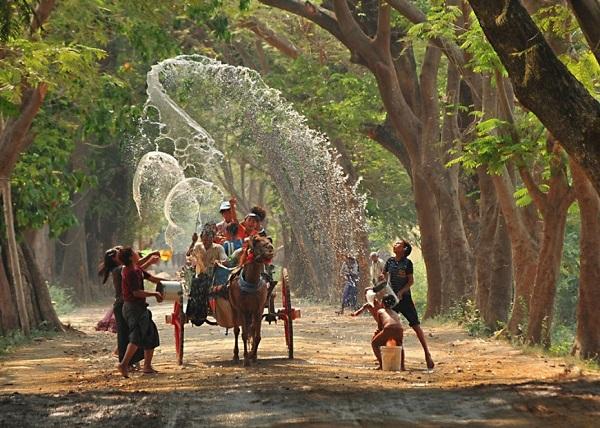 Thời điểm đẹp nhất để mua vé máy bay đi Myanmar