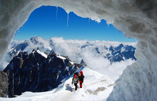 Vé máy bay đi Pháp - Chamonix thánh địa cho leo núi cao và xe đạp leo núi