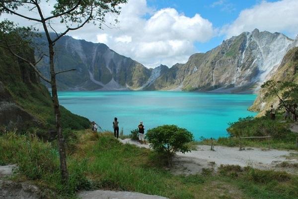 Vé máy bay đi Philippines - Khám phá vẻ đẹp kỳ vĩ ở Hồ Pinatubo