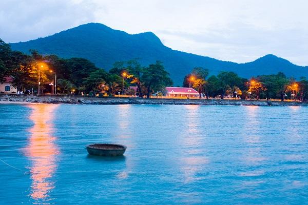 Vé máy bay đi Côn Đảo - Khám phá Côn Đảo