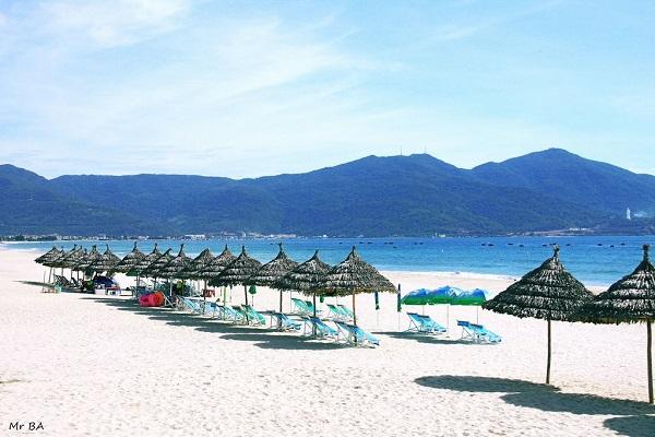 Vé máy bay đi Đà Nẵng - Đắm mình tại bãi biển Mỹ Khê