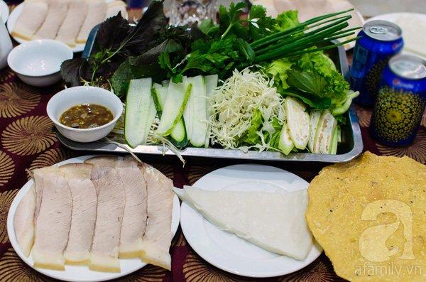 Đặt vé máy bay đi Đà Nẵng thưởng thức Bánh tráng cuốn thịt heo
